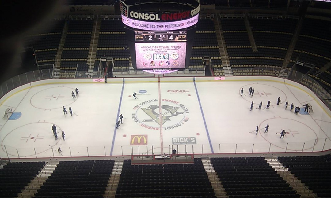 Consol Arena Penguins on ice